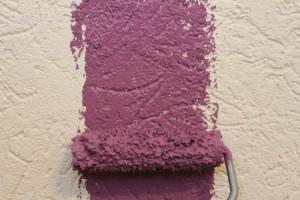 Professionelle Maler arbeiten schnell uns sauber. Am besten vergleicht man mehrere Angebote.